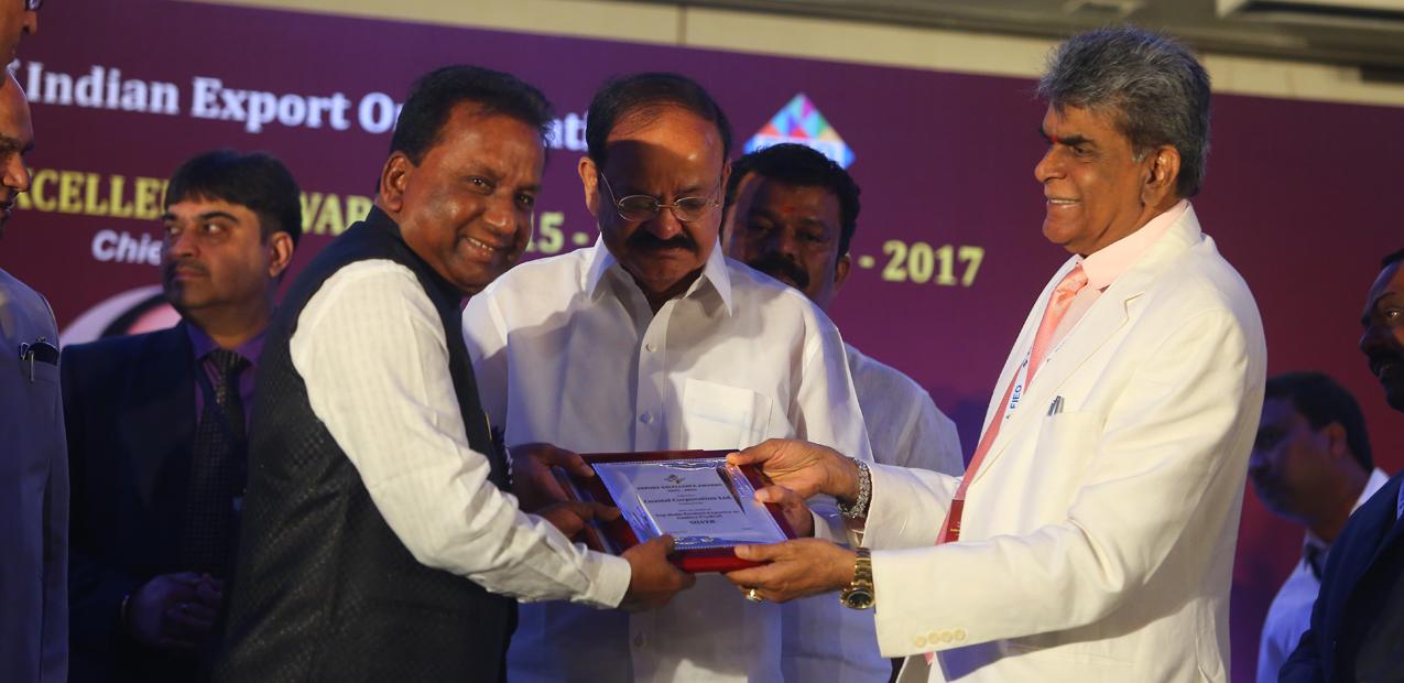 FIEO-Award-Receiving